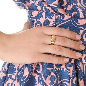 Marc by Marc Jacobs signature gold turnlock ring